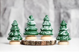 green-christmas-tree-modern-decorations