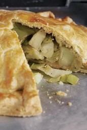 savoury pie recipes - cheesy leek and potato pie